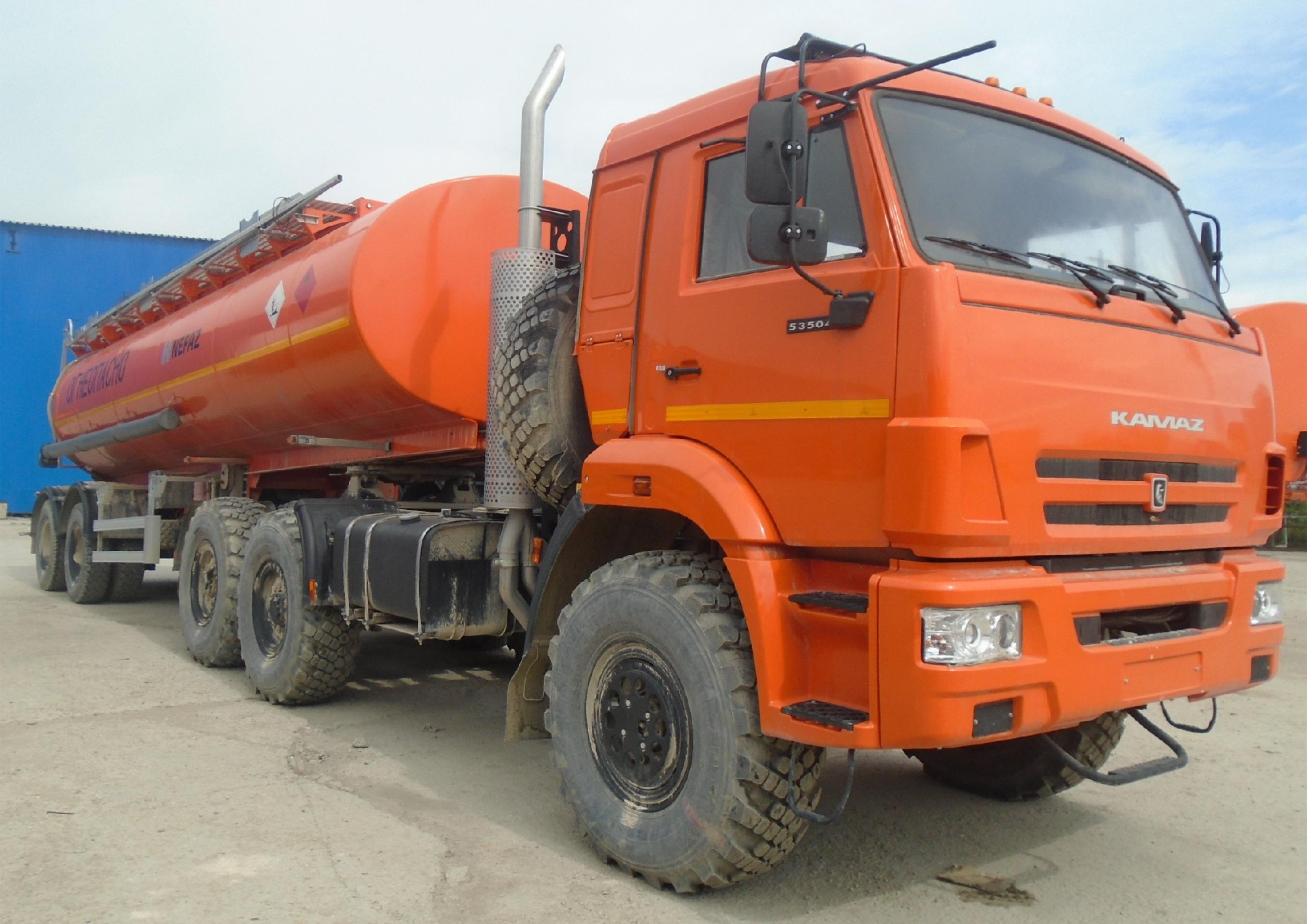 Автопоезд-топливовоз НЕФАЗ 96742